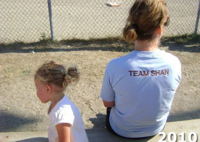Spectator at KCOOTP 2010 wearing Team Shan shirt
