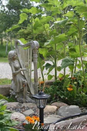 Pinanton Lake Shan's Garden BC